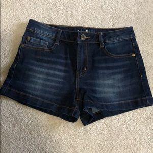 NWOT Juniors Jean Shorts